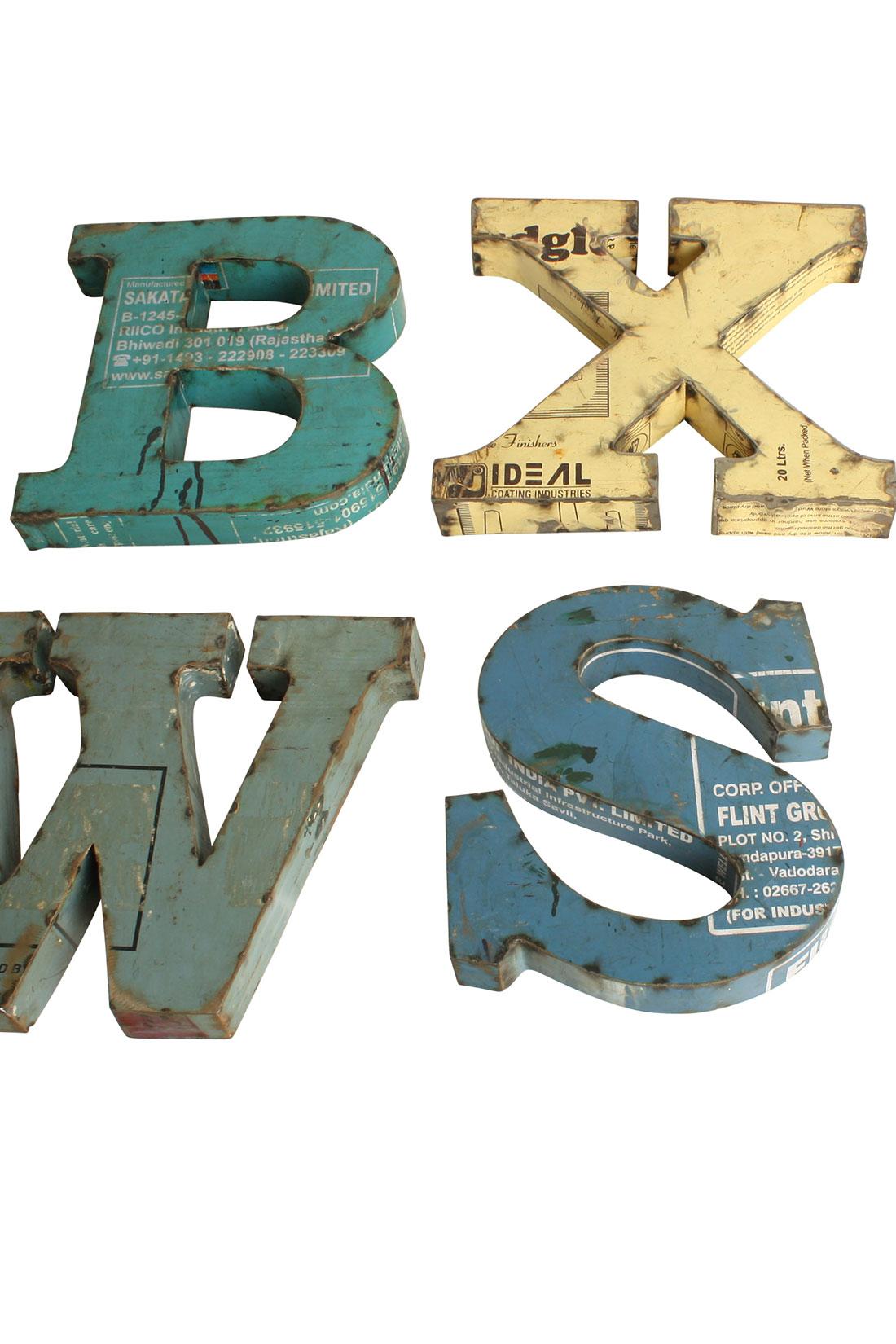 metallbuchstaben aus altmetall vintage einzelbuchstaben vintage living. Black Bedroom Furniture Sets. Home Design Ideas